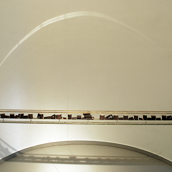 Balance Natur,2013, 10 x 168 x 10 cm